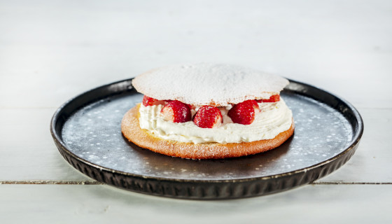 Zoete eierkoek sandwich